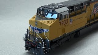 Review: MTH HO ES44AC in UP & BNSF