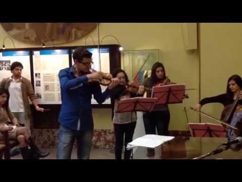 Esibizione degli studenti del Conservatorio Martucci di Salerno con il sindaco De Luca