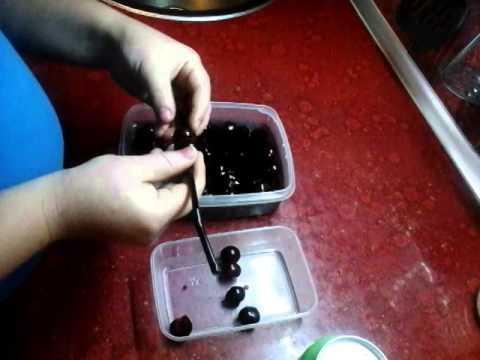 Мой способ выдавливания косточек из вишни