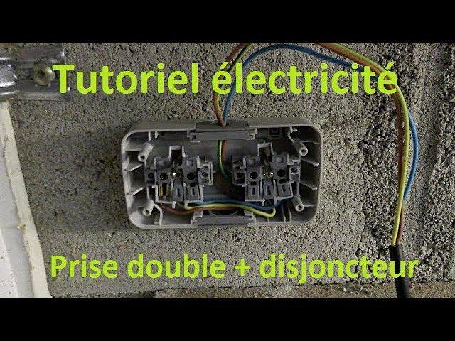 Electricite Installation D Une Double Prise Electrique Et Disjoncteur Tableau Youtube
