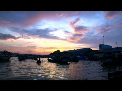 Vietnam in Focus: A Morning in the Mekong