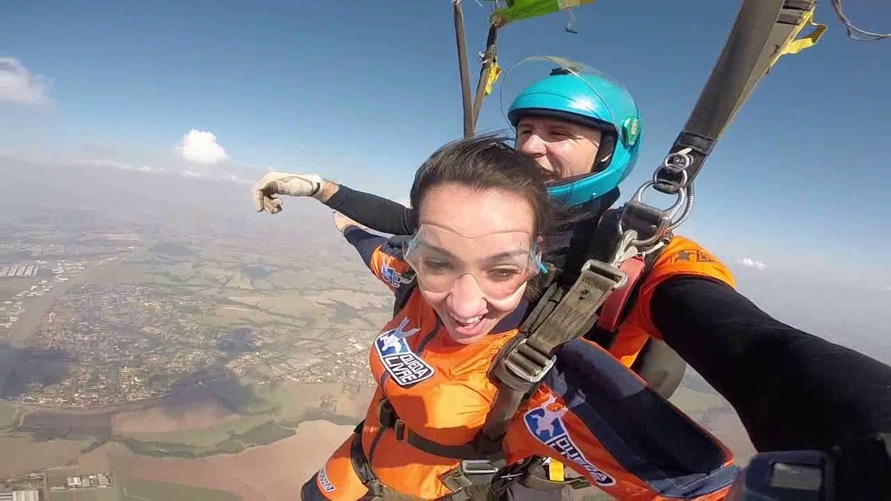 Salto de Paraquedas da Erica S na Queda Livre Paraquedismo 30 07 2016