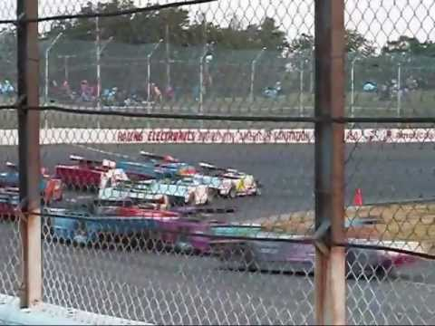 Flat Rock Speedway, 5/25/2013 Figure 8 Feature