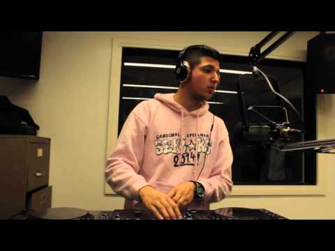 Luis live mixing in the W.A.R.Y studio for PARTY BOY RADIO
