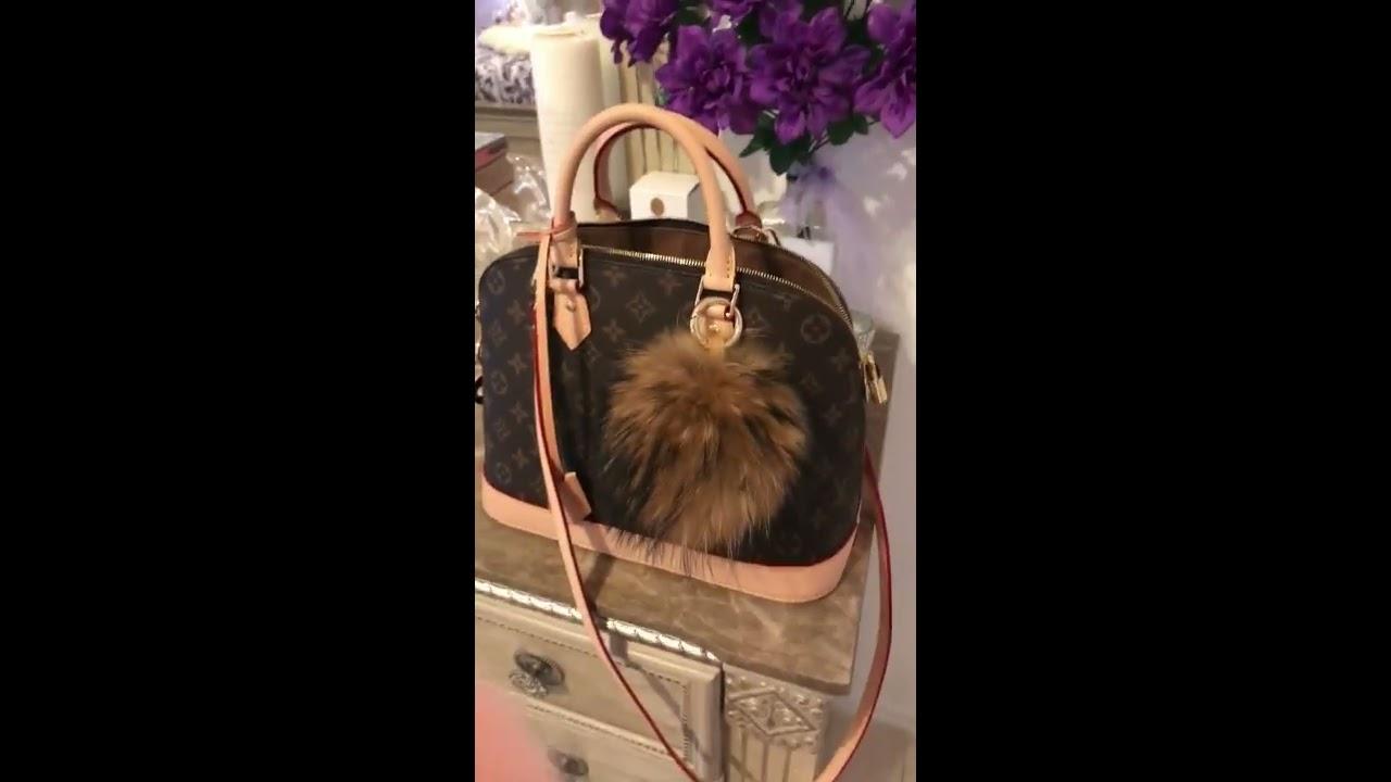 Louis Vuitton Alma PM - YouTube 8bccc77abaa37