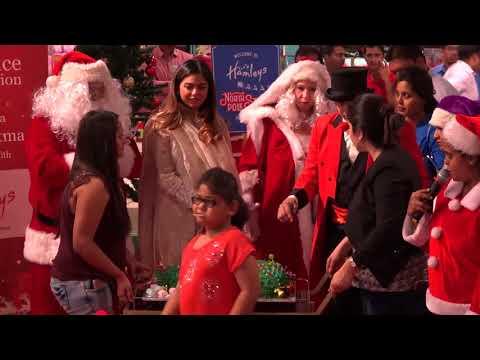 Christmas 2017 I Mukesh Ambani's daughter Isha celebrates Christmas with underprivileged kids
