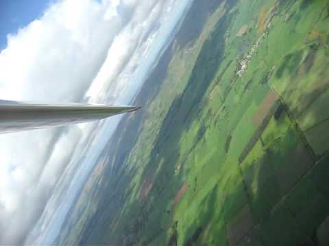 Glider aerobatics, Doing a chandell in my Pilatus B4