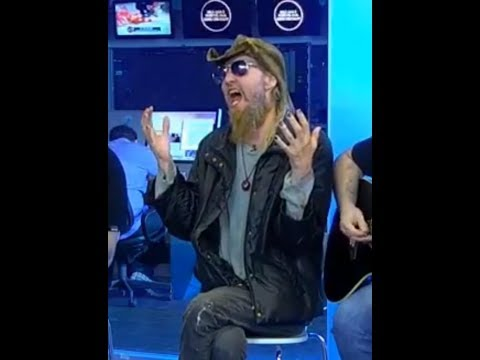 The late Warrel Dane's (Sanctuary and Nevermore) last performance posted from Brazil TV show...