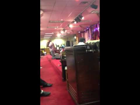MUST SEE VIDEO!!!!!!! Curtis Lindsey On Organ