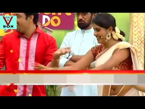 Alina Padikkal Hot Deep Navel in Saree Side View - YouTube