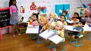 FIRST day at school ! Elsa and Anna toddlers - new Barbie teacher \u0026 students