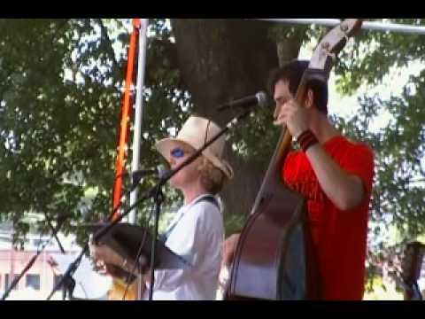 Ben_Holst_and_Melanie_ Hammet Art_BBQ_song3