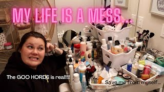 ORGANIZING MY BATHROOM | My GOO HOARDING is taking over my life!! Clean up with me!