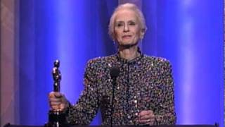 Jessica Tandy winning Best Actress