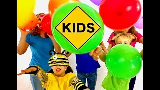 Learn English Colors! Animal Masks and balloons with Sign Post Kids!