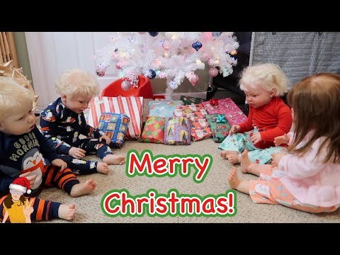 Reborn Toddlers Celebrate Christmas! Waiting for Santa, Opening Presents! | Kelli Maple