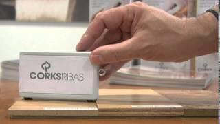 видео Паркетная доска или ламинат: сравнительный обзор покрытий
