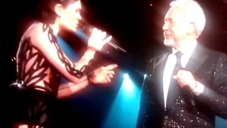 Tom Jones e Jessie J grammy 2015