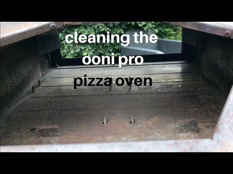 Cleaning the Ooni Pro Pizza Oven