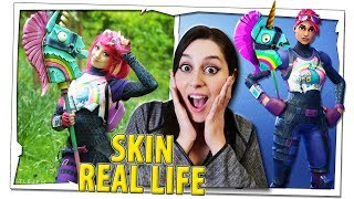 RÉACTION à LA COSPLAYER plus FIGHE que FORTNITE SKINS IN REAL LIFE!