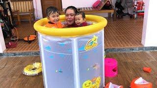 Download lagu Unboxing Kolam Renang Anak Bayi Lucu Ibunya Ikut Masuk hehehe Baby Spa MP3