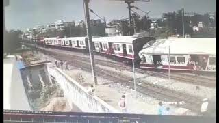 Hyderabad MMTS Train Accident CC TV Footage Kacheguda Train | Hyderabad Train Accident CCTV Video