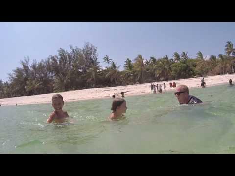 FILE0008   Tiwi beach