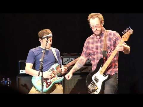 """""""The World Has Turned And Left Me Here"""" (Live At Downsview Park, Toronto, 12 July 2013) - WEEZER"""