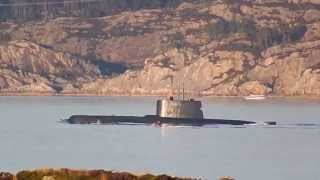 Norwegian submarine - Uboat - Uboot Norwegen - LEAVING BASE  - Rongesundet - Kystvaktstien