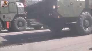 В Москве на параде Победы горит Бук с которого предположительно сбили MH17
