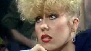 Hazel O`Connor interviewed by Paula Yates 80`s