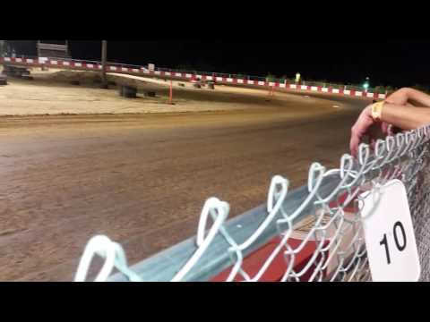 Kc raceway 8/6/16 Predator feature.