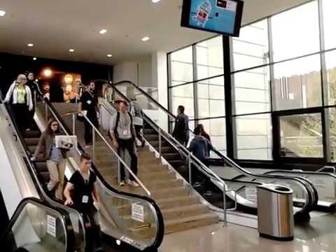 rolltreppe oder treppe selbst fitness athleten nutzen eher die rolltreppe youtube. Black Bedroom Furniture Sets. Home Design Ideas