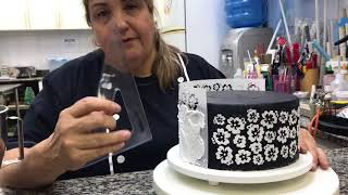Confeitaria Artística Pasta Americana - Decorando Bolo com Stencil - Adalgisa Almeida
