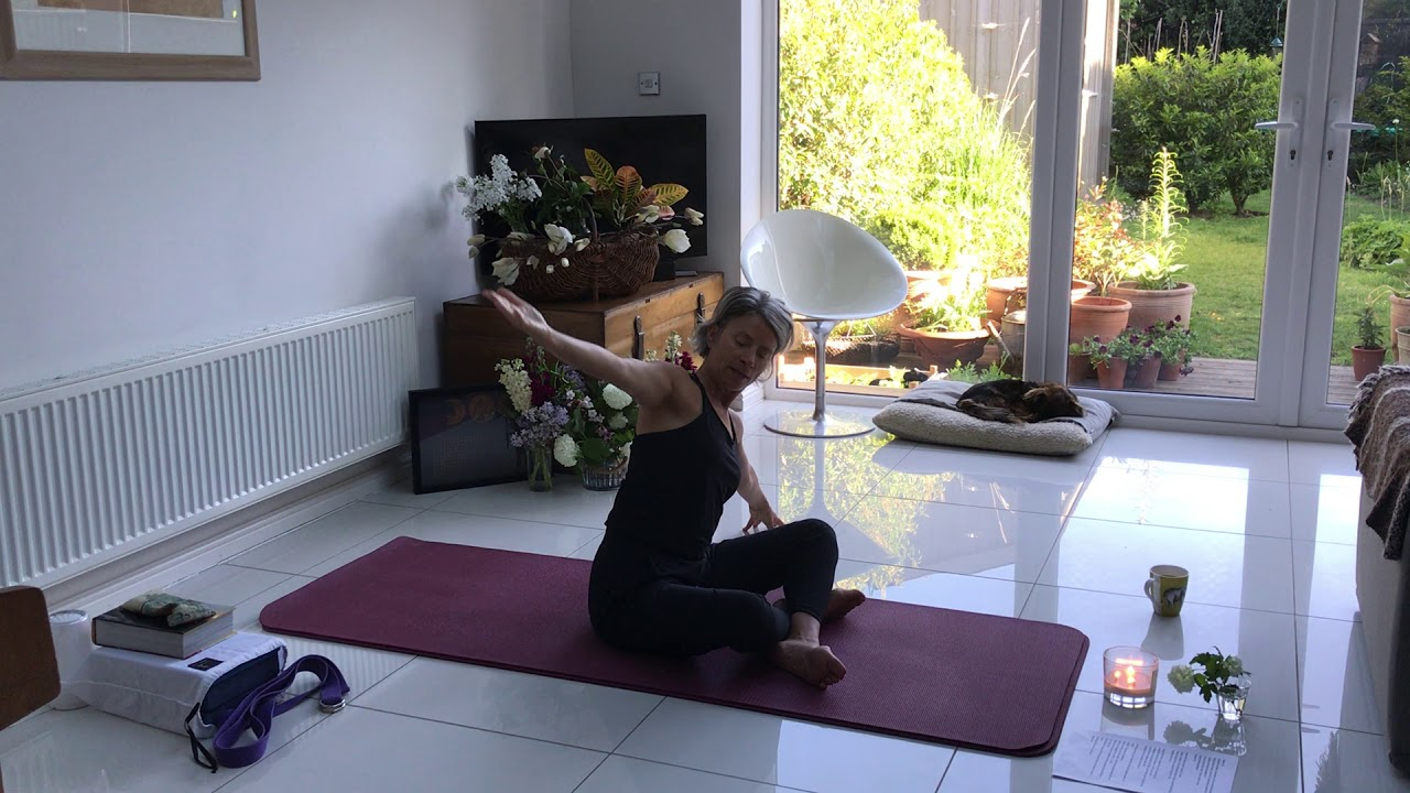 Live-stream Clip from Skip Oliver at whYoga UK - Focus Sukhasana