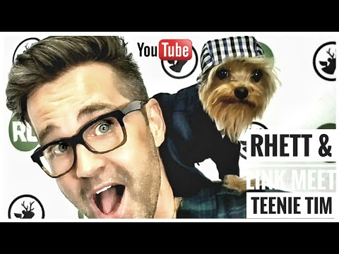 Rhett and Link meet Teenie Tim. #Rhettandlink #smallest #dog #celebrity