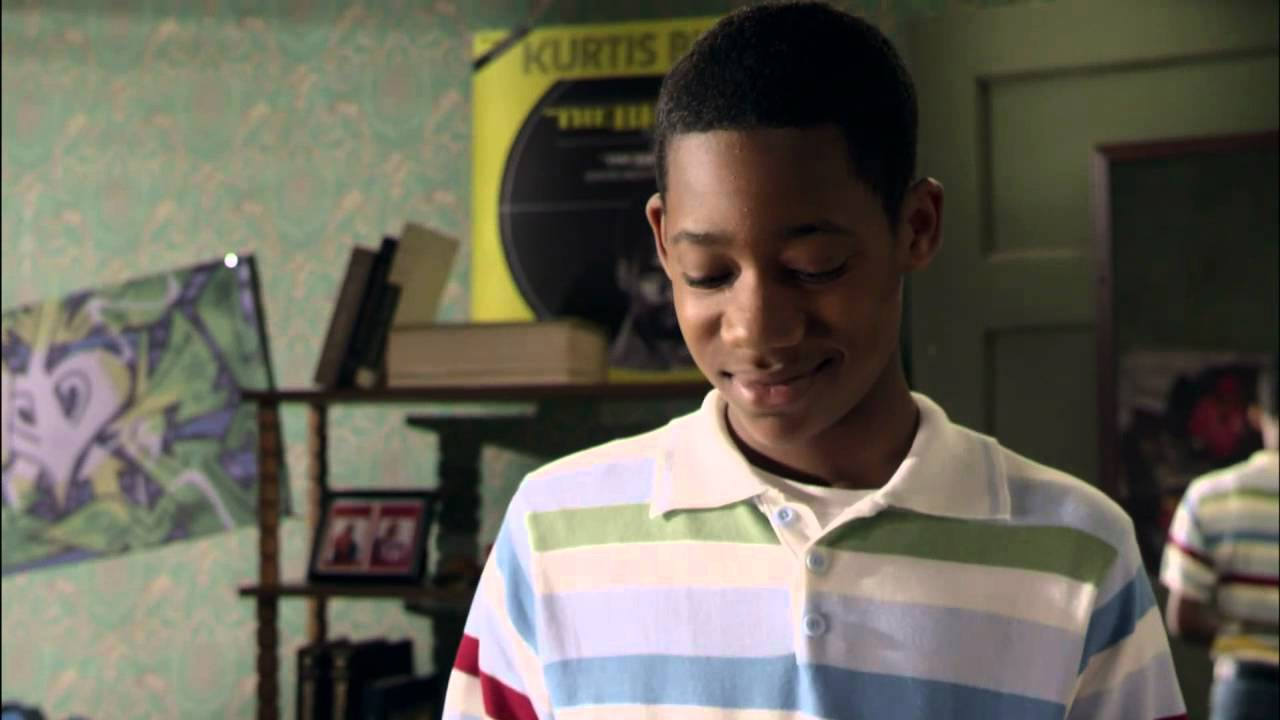 everybody hates chris Everybody hates chris was a comedy show based on the childhood of comedian chris rock the four season show was canceled by the cw network in 2009 1 2 3.