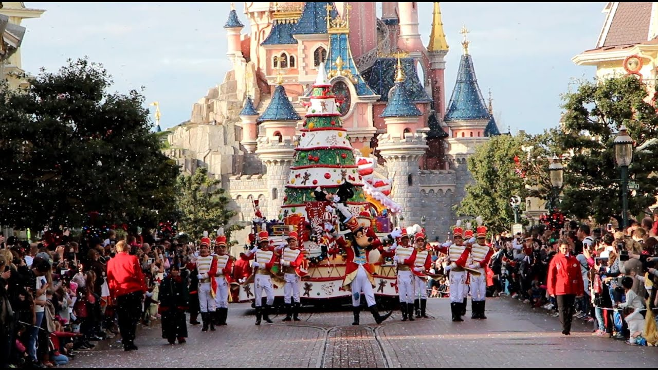 disneys christmas parade 2015 disneyland paris youtube