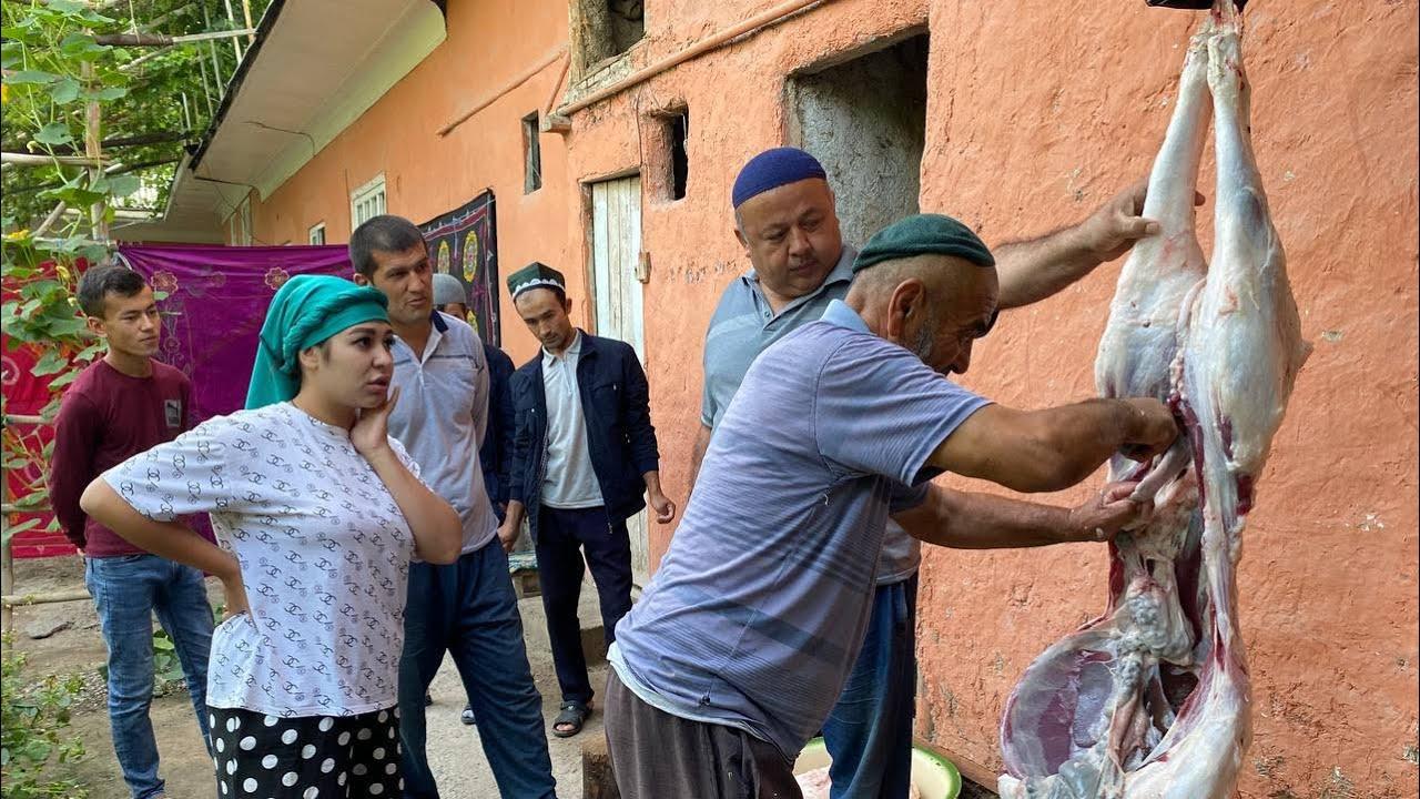 Как отмечают Курбан байрам в Узбекистане! Режем барана! Раздаем соседям! Кишлак Надувание барана.