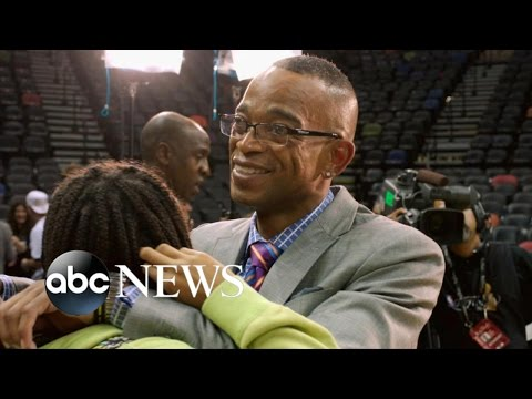 Beloved ESPN Anchor Stuart Scott Dies of Cancer at Age 49
