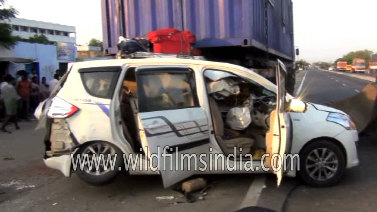 Graphic Warning Deadly Car Crash In Andhra Pradesh