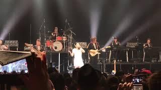 広瀬香美さんが2018年のコンサートツアーの中で「ロマンスの神様」の2音...