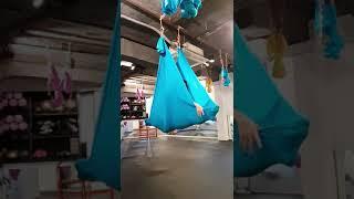 플라잉요가 초보 물레방아.회전돌기 도전!!!다양한접근 팁 And 움포즈스트레칭!공유  플라잉요가.flyingyoga.aerial Yoga