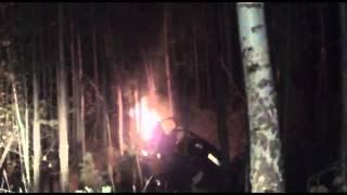 Ехавший со свадьбы мужчина вытащил водителя из горящей машины