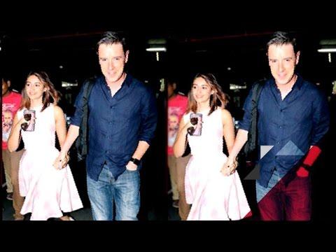 Is Ileana D'Cruz Married To Andrew Kneebone? | Bollywood News