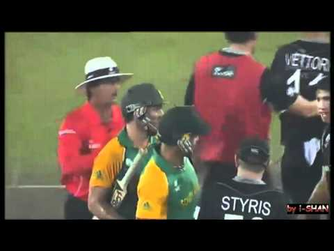 Cricket Fight - Kyle Mills Pushed & Punched on Field