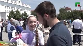 В центре Грозного прошёл массовый митинг в честь Дня России