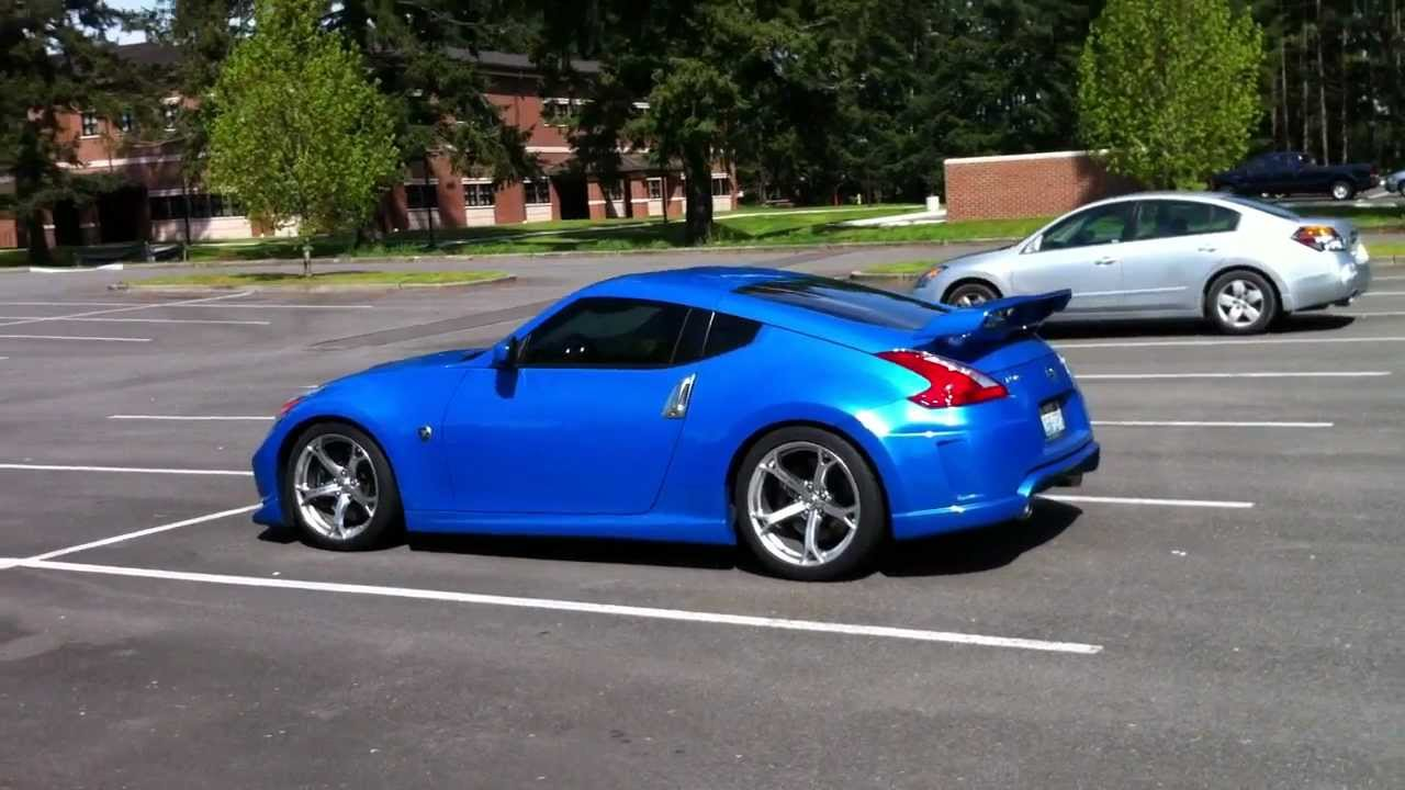 Blue Nissan Nismo 370Z walk around - YouTube