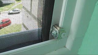 видео Москитная сетка на балкон и лоджию: раздвижная, на магнитах, самодельная