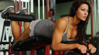 Фитнес в зале с красивой фитоняшкой Фитнес мотивация для девушек